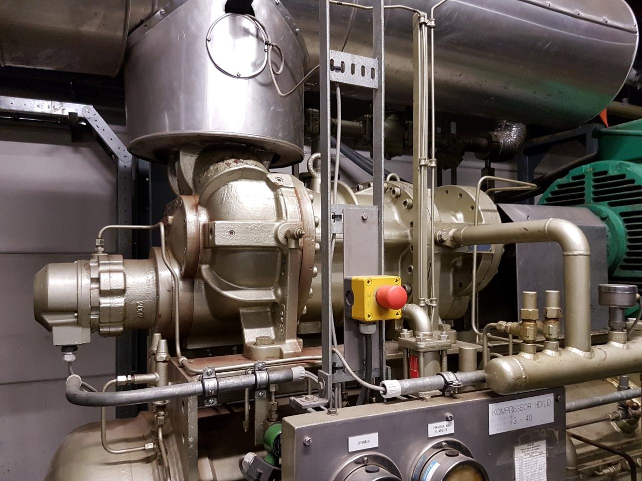 Mycom 200 VLD screw compressor unit - HOS BV